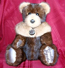 A gallery of Dean\'s past fur teddy bear creations.